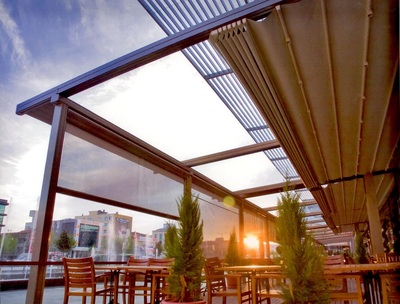 With this in mind, you can find the terrace cover and accessories to best suit your needs.